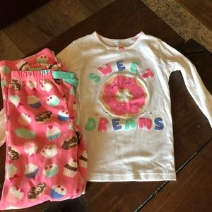 Carters girls size 8 pajamas